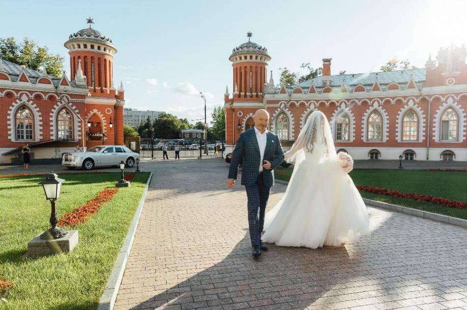 петровский путевой дворец фото свадьбы шире, чем большой